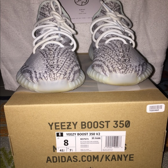 8ae605422 Yeezy 350 v2 From Goat Good Codition. M 5ad88fec3a112e06cfdb67ef